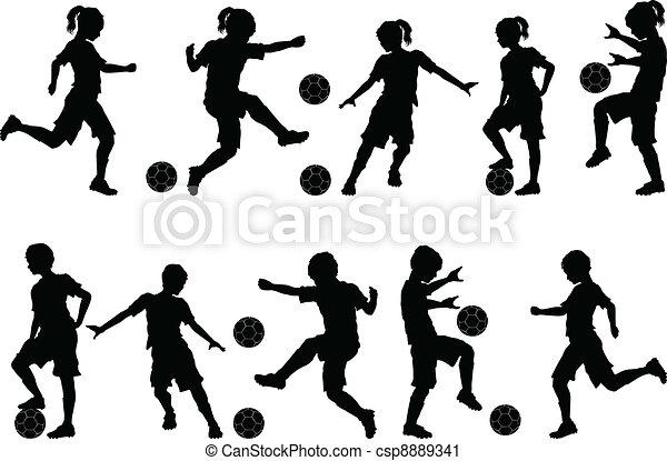 El fútbol silueta a los niños. Jugadores de fútbol siluetas de niños, chicos y chicas. | CanStock