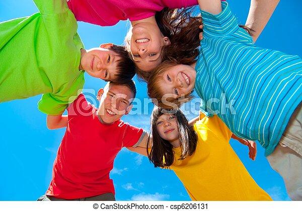 Sonriendo niños - csp6206131