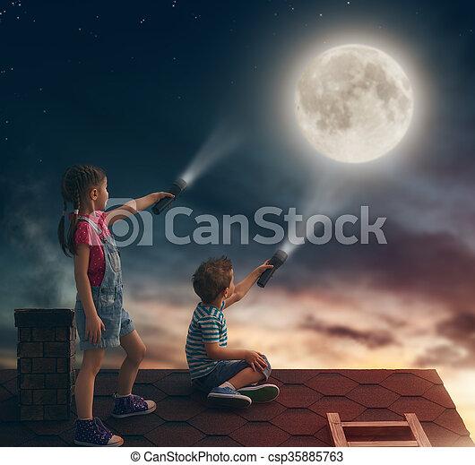 niños, techo, sentarse - csp35885763