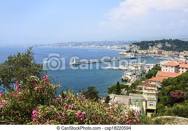 Nice (Cote d'Azur) - csp18220594