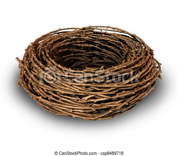 Un nido vacío - csp8489718