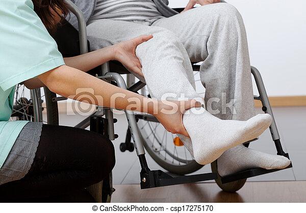 niepełnosprawny, rehabilitacja - csp17275170