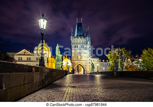 Night on Charles Bridge in Prague - csp87981944