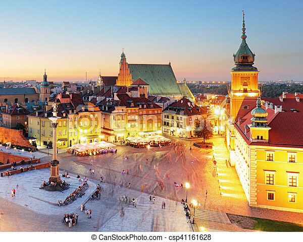 Night panorama of Old Town in Warsaw, Poland - csp41161628