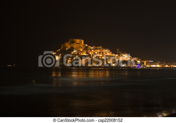 Night view of the castle of Penisco - csp22008152
