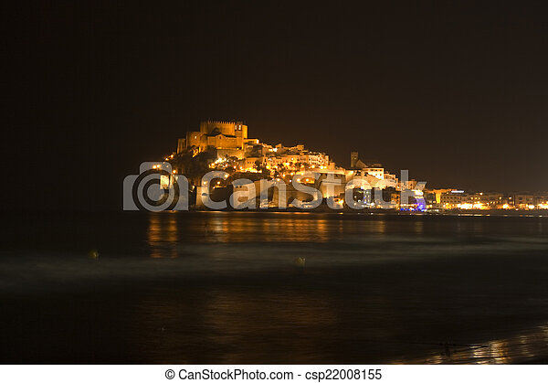 Night view of the castle of Penisco - csp22008155