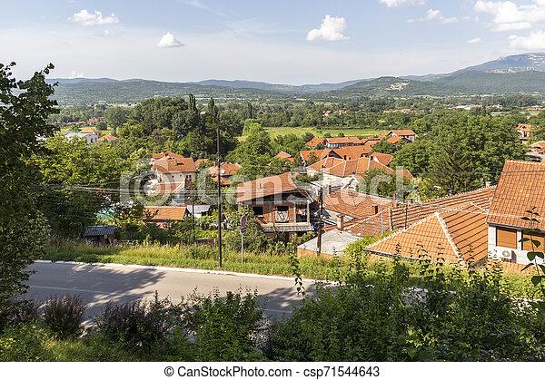 Vista panorámica del spa Resort de Niska, Serbia - csp71544643