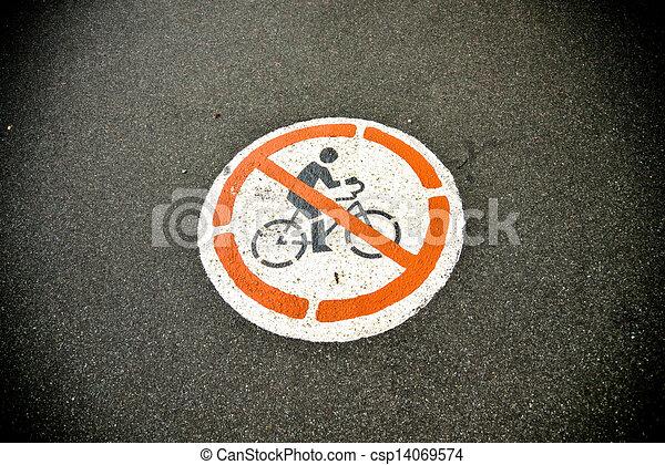 No hay señal de bicicleta - csp14069574