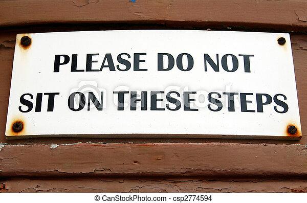 No te sientes en las escaleras - csp2774594