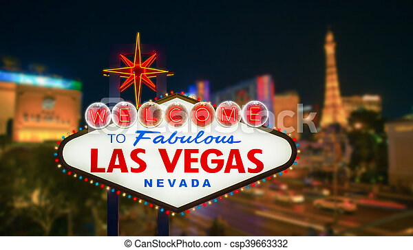 El cartel de Las Vegas con la pista de striptease borrosa en el fondo nocturno - csp39663332