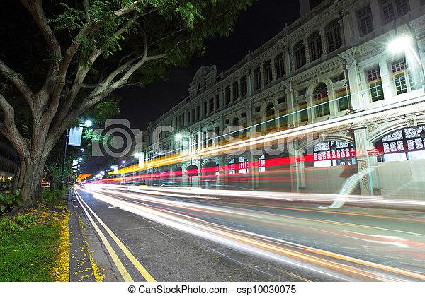 Singapur por la noche con tráfico - csp10030075