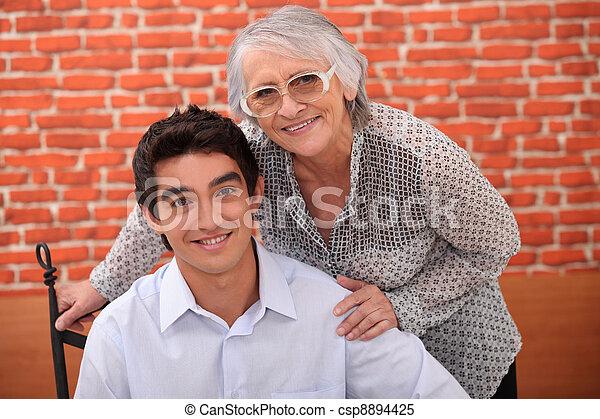 nonna, nipote - csp8894425