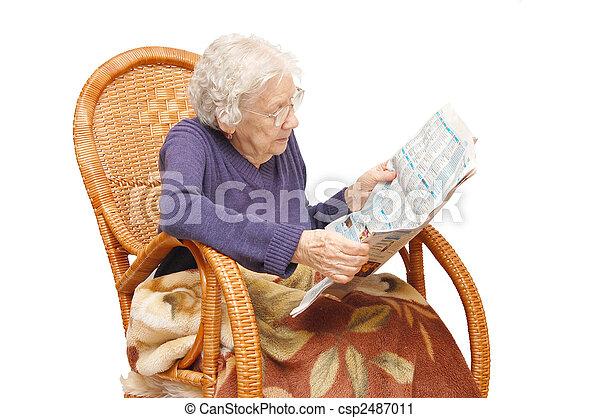 Leggere In Poltrona.Nonna Poltrona Leggere Giornale