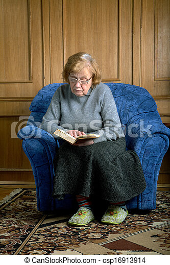 Leggere In Poltrona.Nonna Poltrona Leggere Sedere