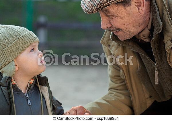 nonno, nipote - csp1869954