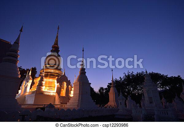 noorden, tempel - csp12293986