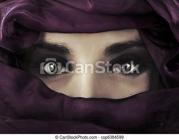 nosení, hlavička, manželka, východní, nach, covering., mládě, prostřední - csp6384599