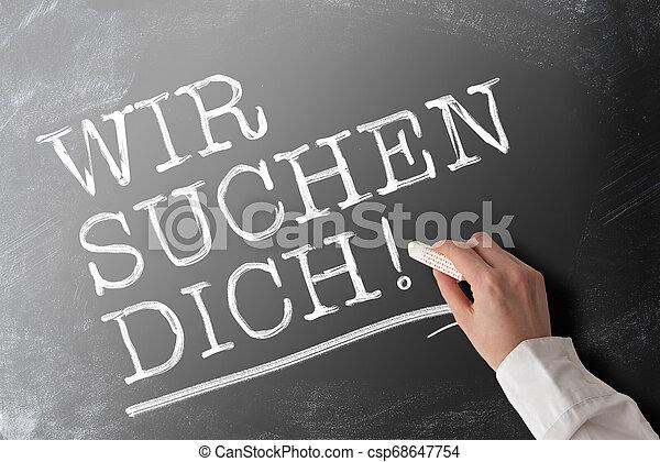 Palabras en inglés, alemán porque te estamos buscando, concepto de oportunidad de trabajo - csp68647754