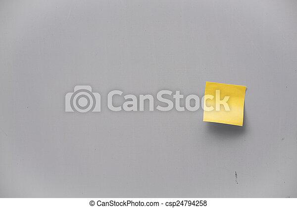 Post-it en una pared - csp24794258