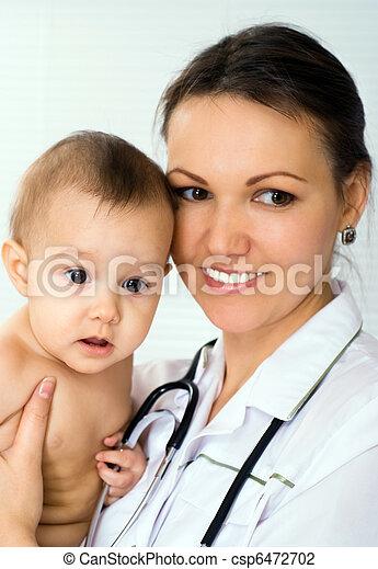 nouveau né, heureux, docteur - csp6472702