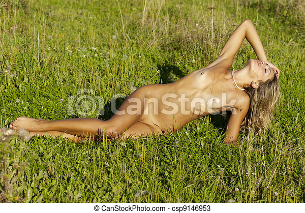 Nude Tanned Beauty . - csp9146953