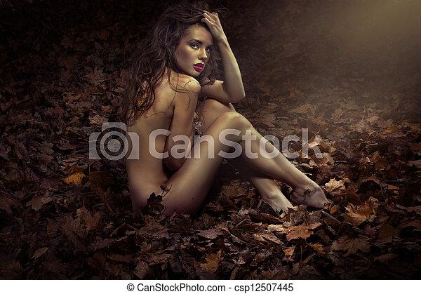 nudo, foglie, principessa, carino - csp12507445