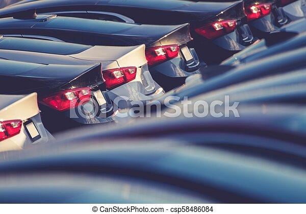 Nuevos coches en stock - csp58486084