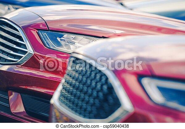 Nuevos coches en acciones de traficantes - csp59040438