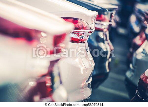 Nuevos coches en acciones de traficantes - csp56079814