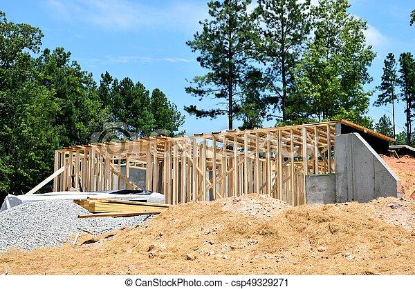 Nueva construcción en casa - csp49329271