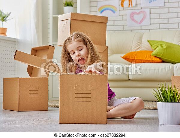 Nuevo hogar - csp27832294