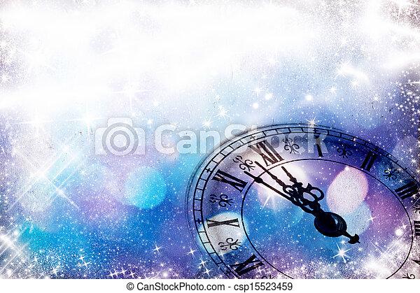 El año nuevo es a medianoche - csp15523459