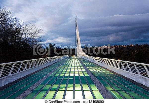 nuit, cadran solaire, pont - csp13498090