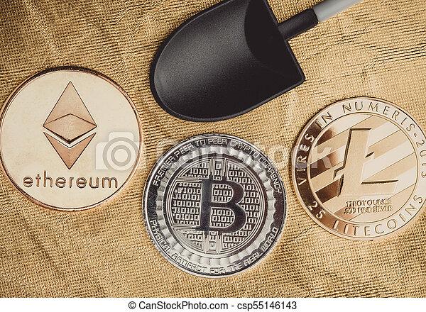 numérique, terrestre, argent., crypto, ethereum, monnaie, noir, bitcoins, pelle, texture, cryptocurrency, virtuel, rugueux, doré, argent, exploitation minière - csp55146143