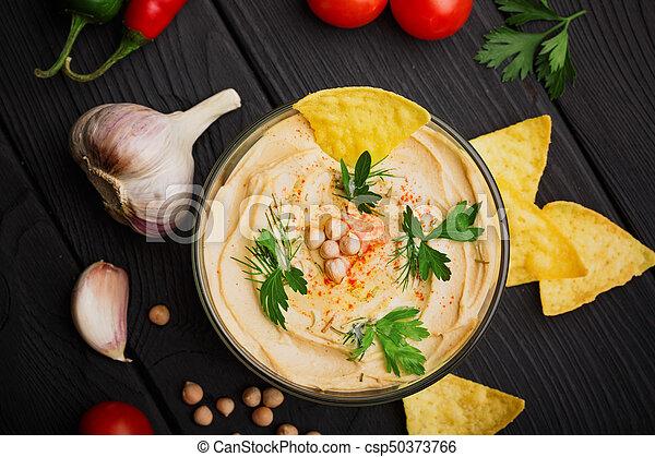 nutritivo, vegetables., hummus, topo madeira, tigela, space., vidro, pretas, experiência., prato, árabe, cópia, nachos, vista - csp50373766