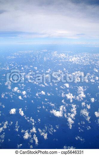 nuvens, acima - csp5646331