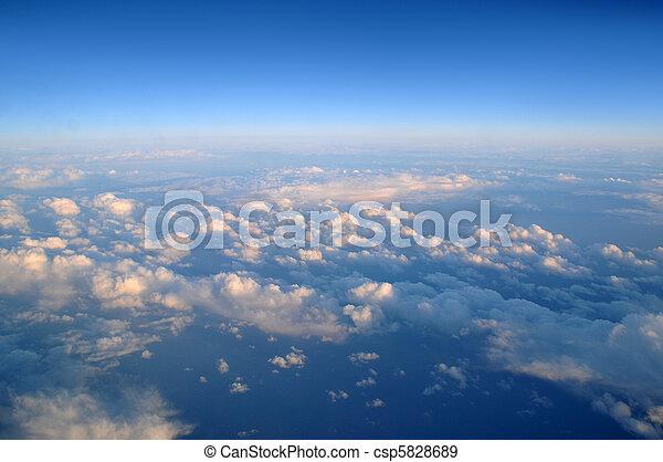 nuvens, acima - csp5828689