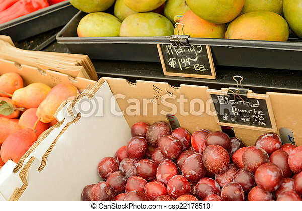 nya vegetables, marknaden, frukter - csp22178510