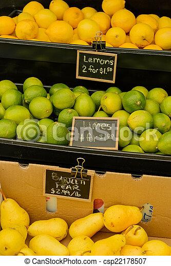 nya vegetables, marknaden, frukter - csp22178507