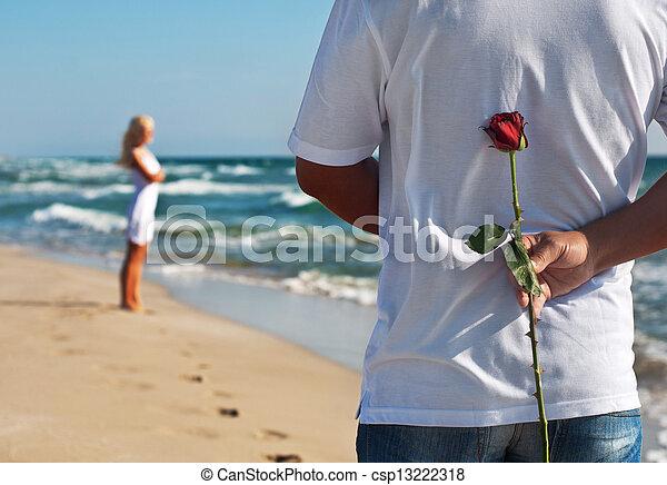 o, romantico, suo, donna, rosa, valentines, coppia, attesa, concetto, mare, matrimonio, uomo, spiaggia, giorno, estate, amare - csp13222318