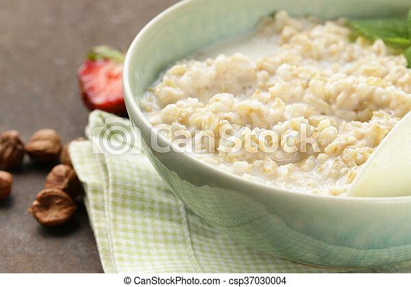 oatmeal porridge with milk - csp37030004
