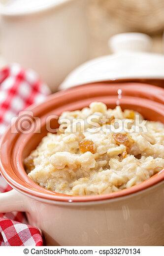 oatmeal - csp33270134