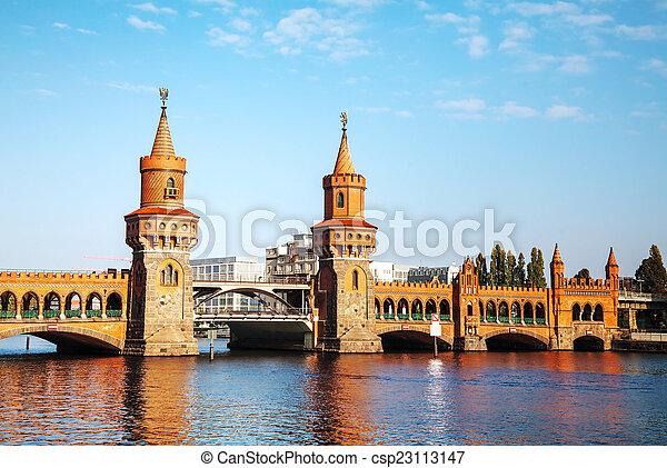 Oberbaum bridge in Berlin - csp23113147