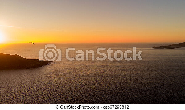 Vista aérea del mar al atardecer - csp67293812