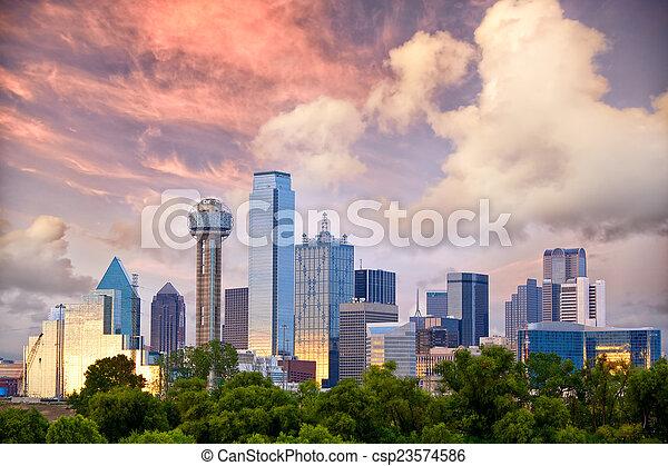 Dallas al atardecer - csp23574586