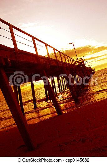 Un jetty Sunset - csp0145682