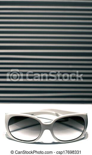 occhiali da sole - csp17698331