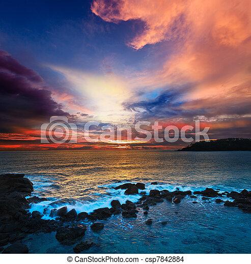 oceano ocaso - csp7842884