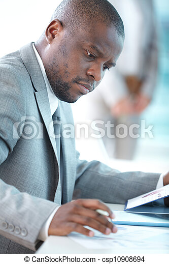 Ocupado trabajando - csp10908694