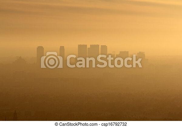oeste, niebla tóxica, la - csp16792732